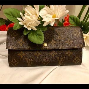 Auth Louis Vuitton Sara long wallet